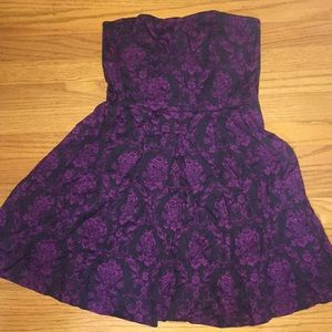 Dresses & Skirts - Strapless black and purple floral accent minidress